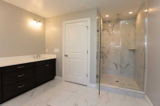 Your bathroom remodel is in good hands with the experienced contractors at Prominent Builders. Serving Paramus, Glen Rock, Ridgewood, Saddle River, Tenafly, Franklin Lakes, Ho-Ho-Kus, and nearby towns in Bergen County New Jersey